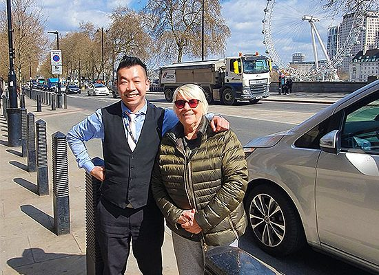 Mvp Chauffeuring London Taxi Fun Chauffeur Taxi Guide Luxury Transport Celebrity Travel Days Out Shopping Sightseeing London